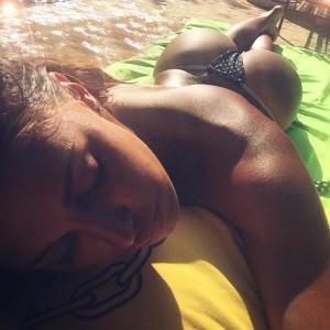 "Una ""sobria"" foto senza pretese presa dal profilo Instagram di Belen Rodriguez"