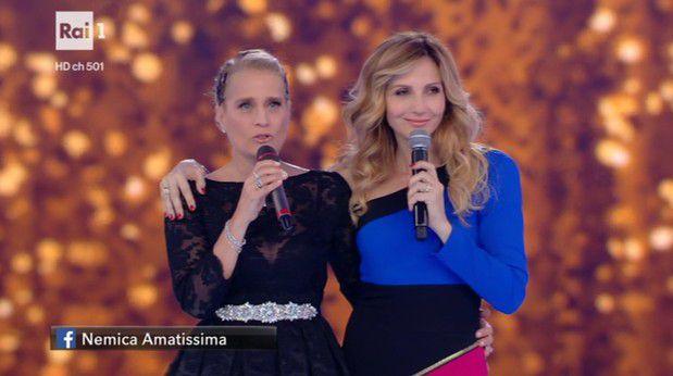 "Heather Parisi e Lorella Cuccarini durante lo Show ""Nemicamatissima"""